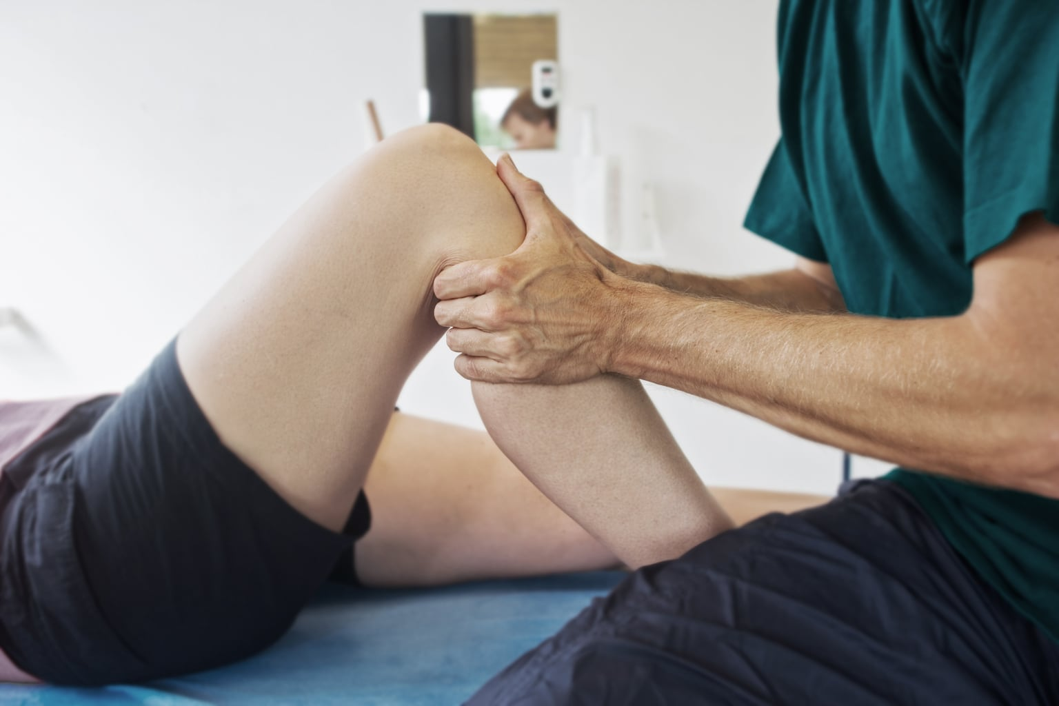 Checking a knee